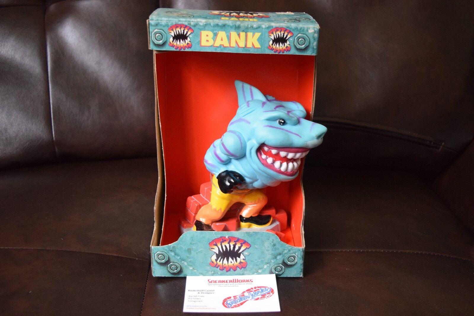 New Streetwise Designs Street Shark Bank Blades 1995 Rare Piggy Coin Bank