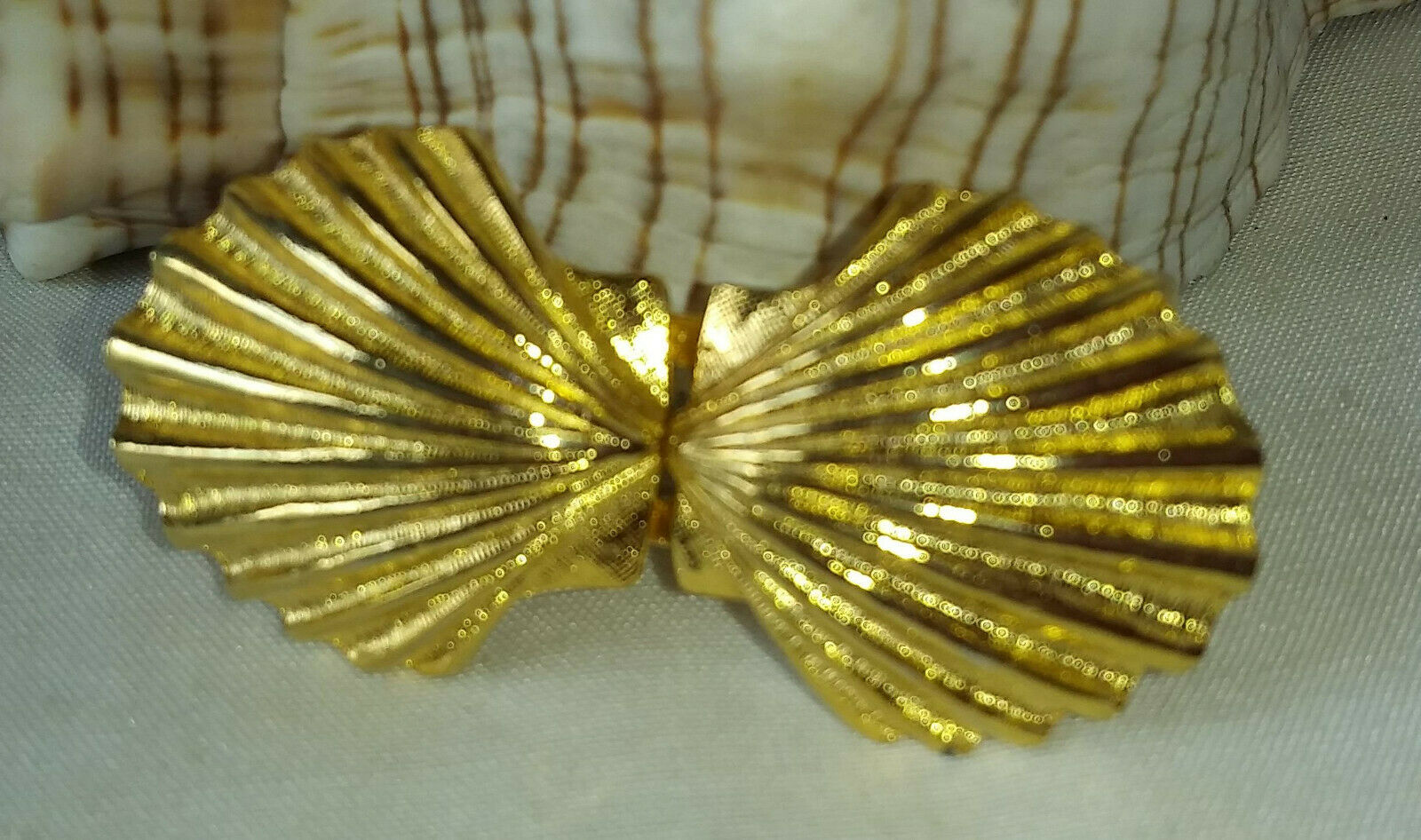 Sea Shell - Fan Shape Belt Buckle - Gold tone metal