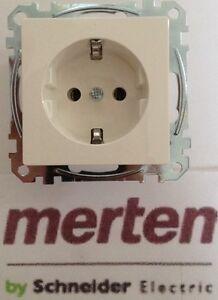 Merten SCHUKO-Steckdose MEG2301-1019 polarweiss glaenzend 1-M