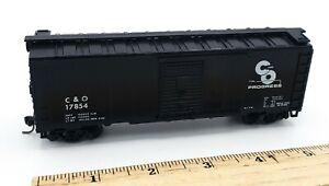 HO-Scale-Train-C-amp-O-17854-Black-Box-Car-Type-w-Slide-Doors