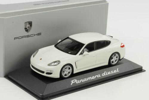 1:43 Porsche Panamera Diesel weiss 2014 Minichamps WAP Dealer