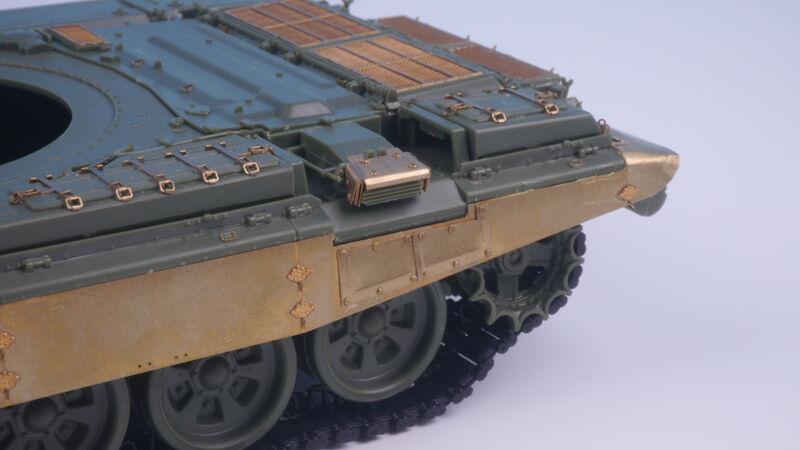 TETRA MODEL AFV P.E [ME-35001] 1 35 Russian MBT T-90A  for MENG