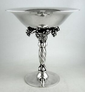 Sterling-Georg-Jensen-GRAPE-pattern-263B-Tazza-Post-1940