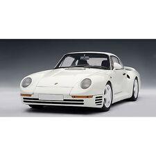 Porsche 959 White AutoArt 1:18 Diecast Model Car