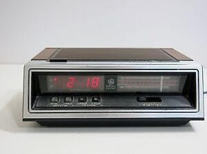 retro general electric ge digital alarm clock am fm radio model 7 4650g ebay. Black Bedroom Furniture Sets. Home Design Ideas