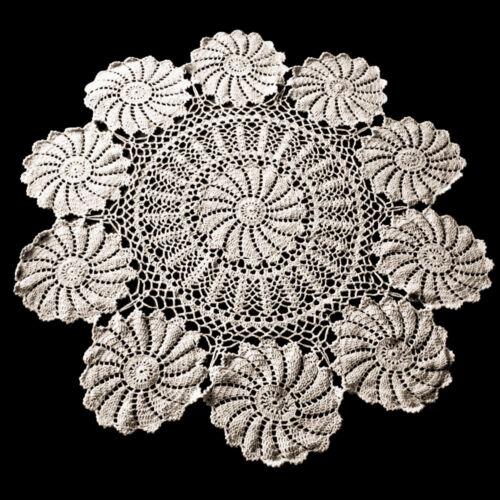 Vintage Lace Doily Hand Crochet Cotton Table Cloth Cover Floral Pattern 85-90cm