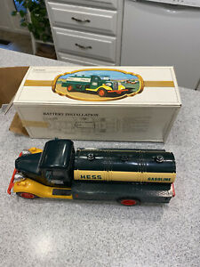 1982 The First Hess Truck, New In Box. Red Battery Switch