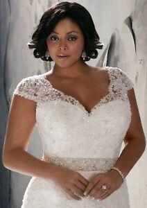 Hochzeitskleider in 48