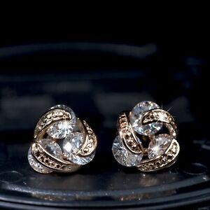 18k-yellow-gold-gp-made-with-SWAROVSKI-crystal-3-stones-infinity-stud-earrings
