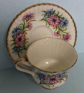 Paragon-Vintage-Bone-China-Tea-Cup-and-Saucer-Gold-Flowers-England-Set
