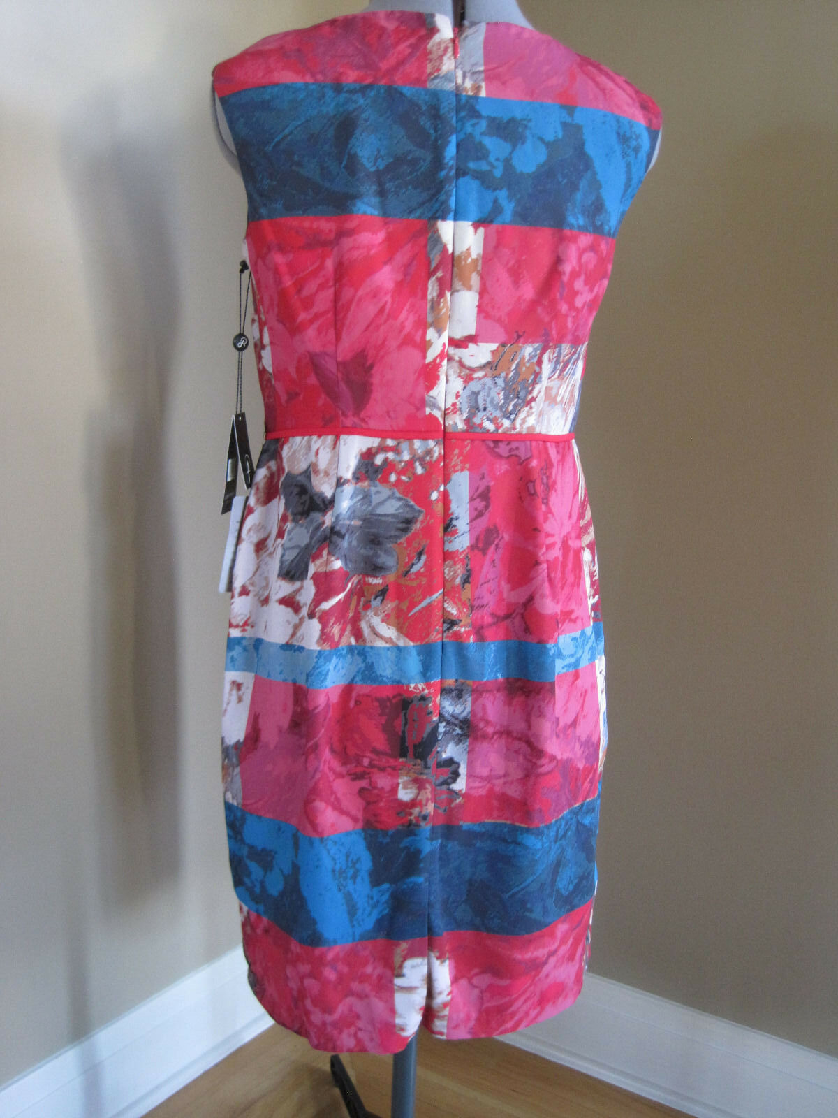NWT ADRIANNA PAPELL MULTIcolorD FLORAL STRIPE SHEATH DRESS IN SIZE SIZE SIZE 8P d9bf0f