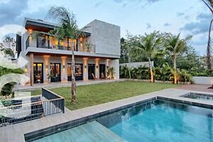 Casa en Preventa en Cancun en Residencial Lagos del Sol Frente al Lago