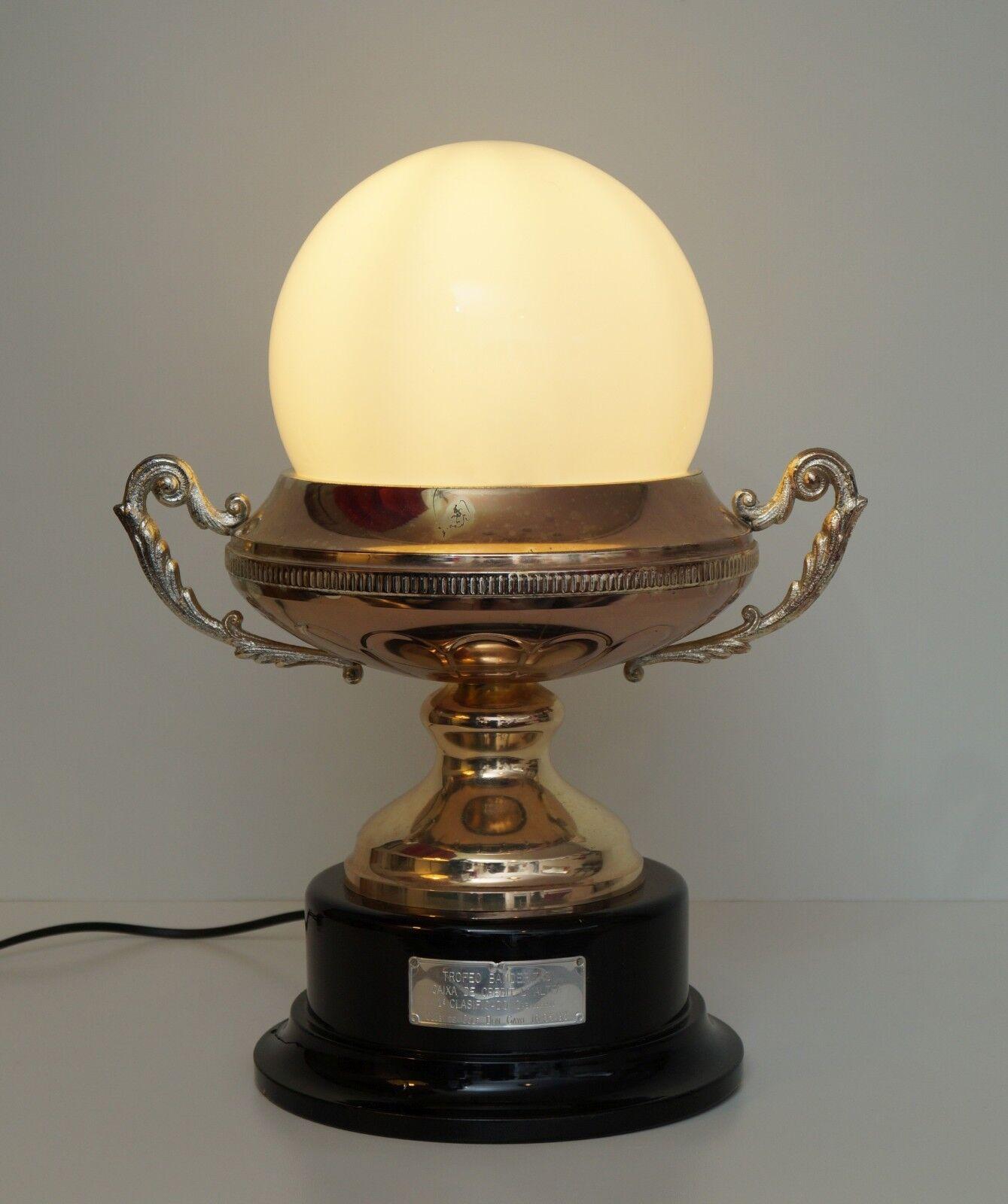 Garant. Pièce nouveau unique art nouveau Pièce design lampe de table