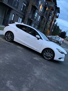 2018 mazda 3 GT fully loaded