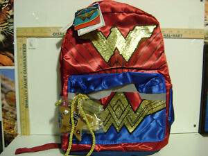 NWT-CHILDS-DC-COMICS-WONDER-WOMAN-16-034-BACKPACK-with-TIARA-and-LASSO-ROPE