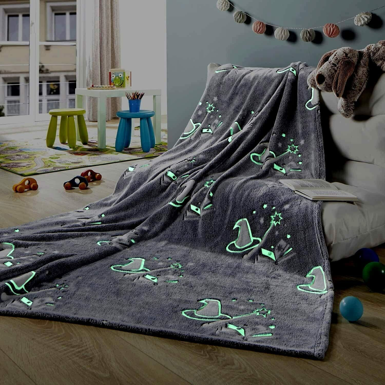 Decke Glow in the Dark Kuscheldecke Kinderdecke leuchtet im Dunkeln Zauberer