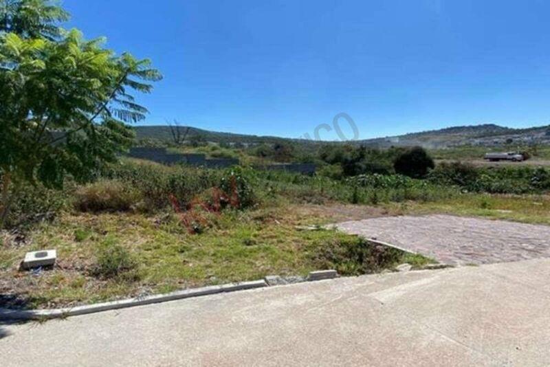 VENTA de Terreno en ALTOZANO Querétaro   300 m2  en privada habitacional