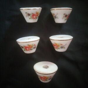 Cinq-bobeches-en-porcelaine-decor-de-fleurs-de-roses-pour-lustre