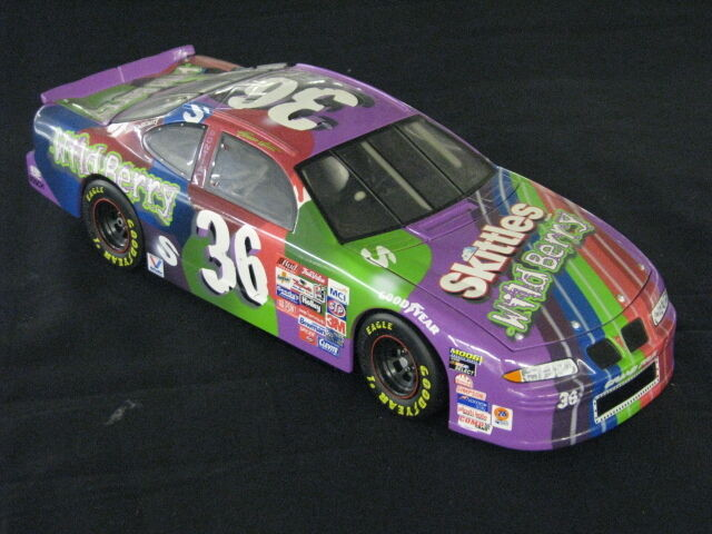 Ertl MB2 Motorsports Pontiac Nascar 1998 1 18  36 Ernie Irvan (MCC)