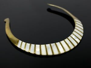 RARE-Vintage-Brass-Tone-Mother-of-Pearl-Fashion-Collar-Necklace-Costume-Jewelry