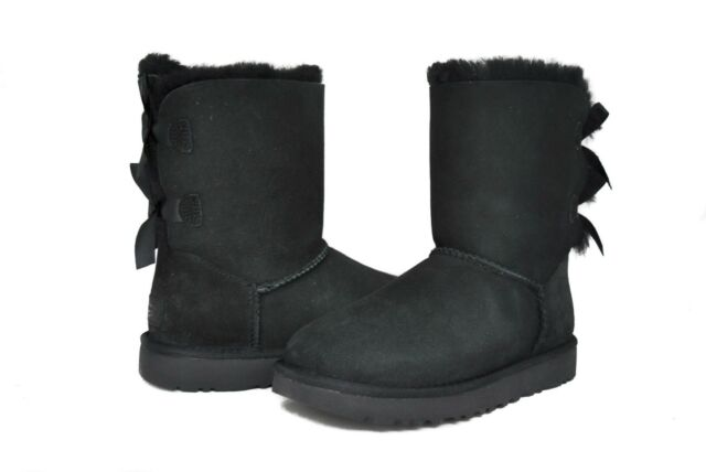 051361934a7 UGG Bailey Bow II Black Suede Fur BOOTS Womens Size 7