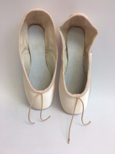 Suffolk Adult Ballet Pointe Shoes Solo Hard 4 XXN