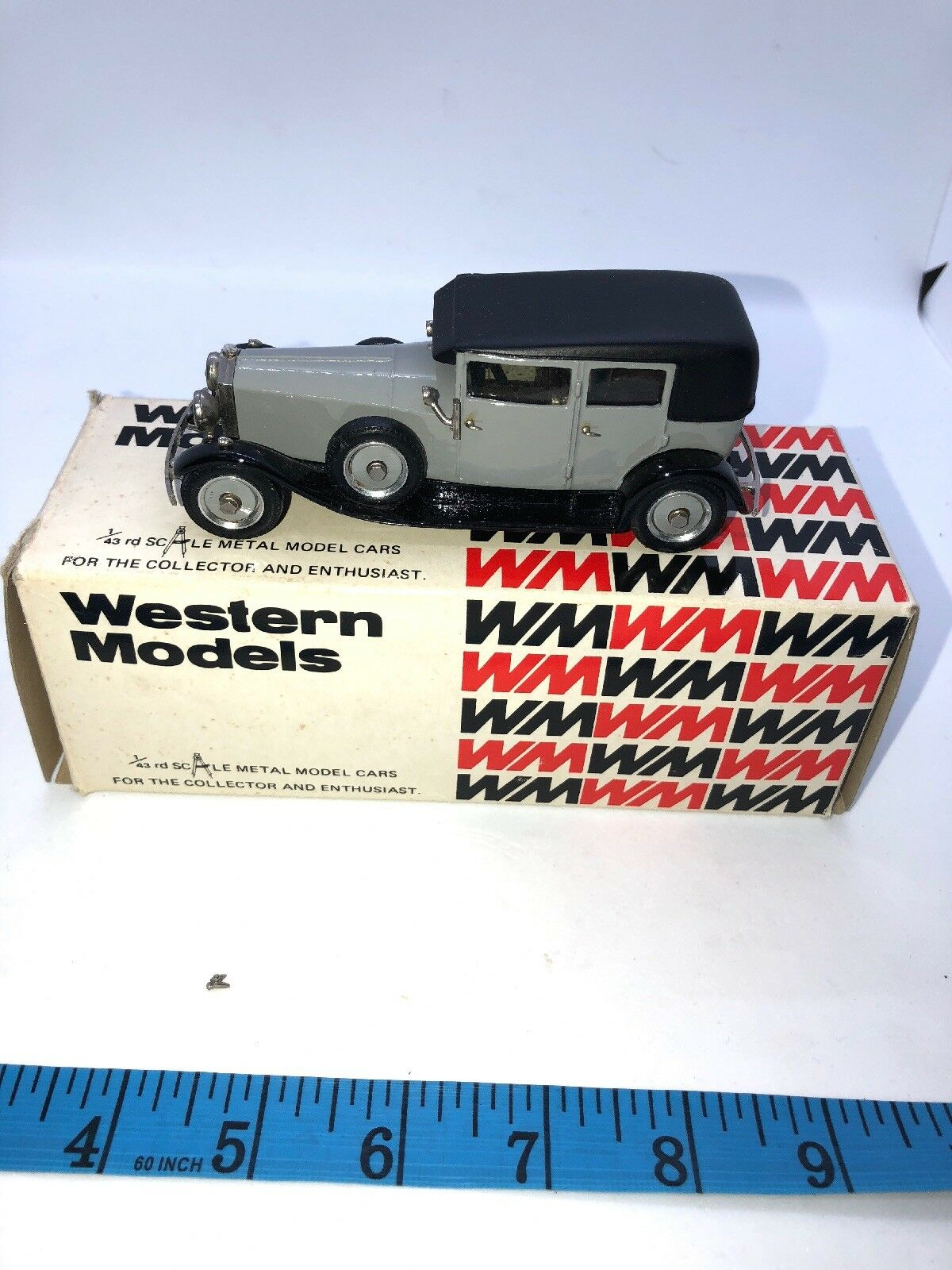 1 43 Western 1927 Rolls Royce Weyman Saloon vit metal WMS36 låda England