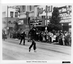 NEW-VIEW-THEATRE-1970-photo-6656-HOLLYWOOD-BLVD-original-still-DONALD-SUTHERLAND