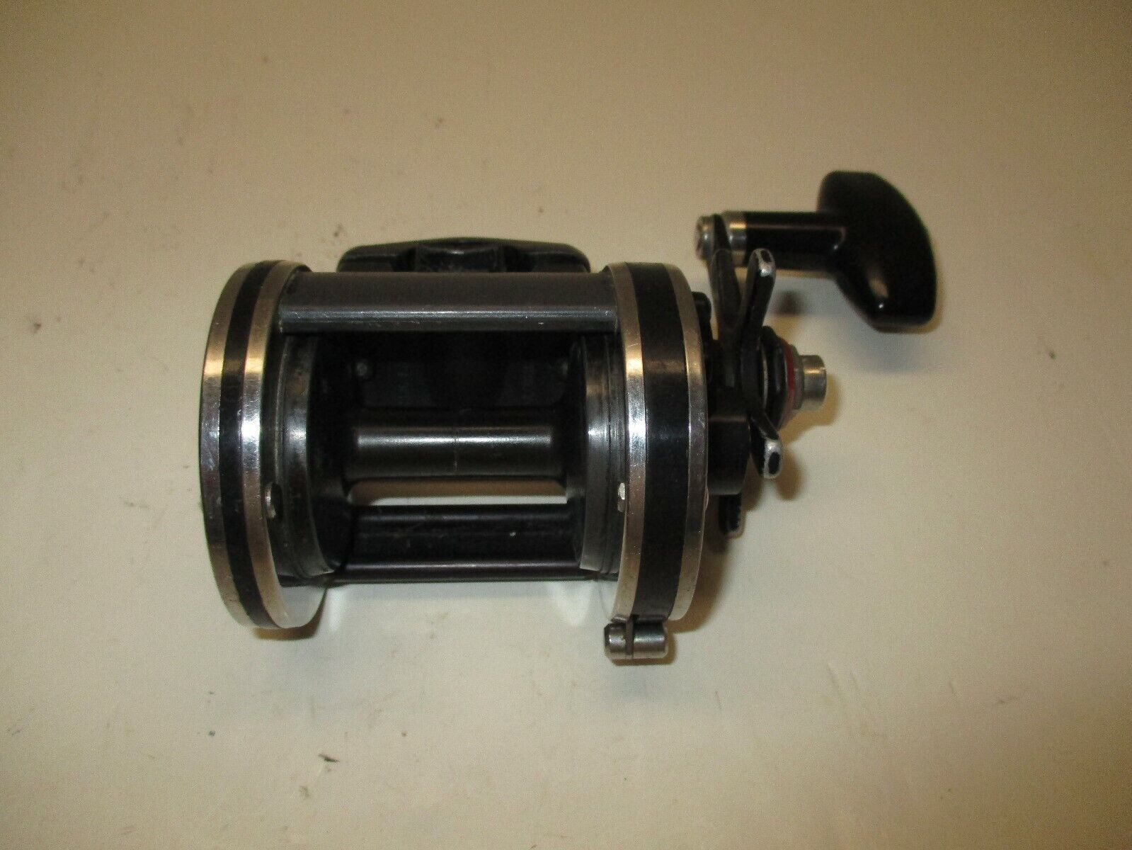 Nieuweell P229-F Conventional Reel made in USA GOOD CONDITION