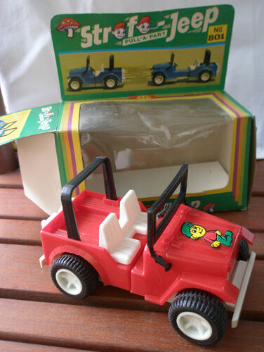 Vintage toy  Strofo Jeep  No 801  made in Greece, '80s,smurf face pull-a-part.