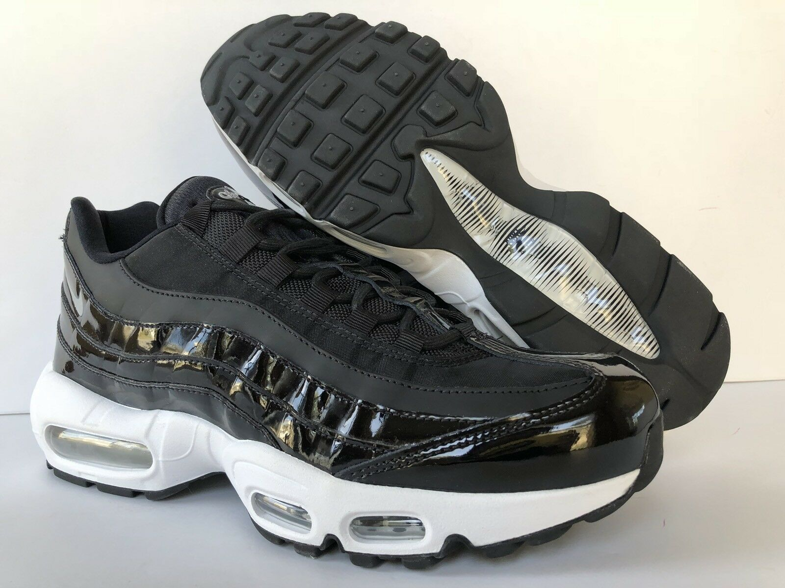 NIKE AIR MAX 95 SPECIAL EDITION BLACK CASUAL  WMNS Price reduction