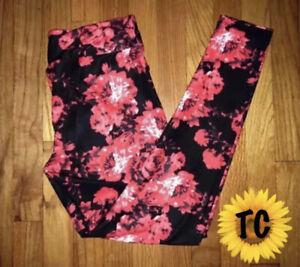 Tall /& Curvy LuLaRoe TC Leggings Gorgeous Pink Red Roses Floral Black NWT E42