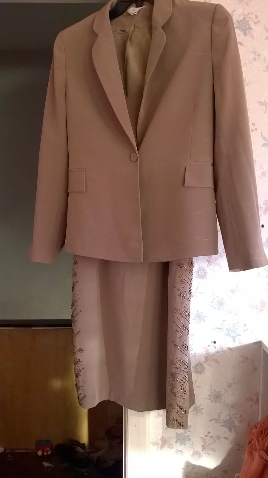 Ladies set,blazer&skirt by Tia,size12,new no tag,lined