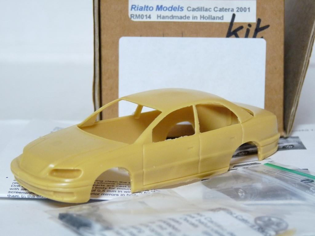 Rialto RM014 1 43 2001 Cadillac Catera Handmade Resin Model Car Kit