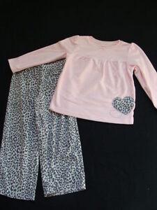 20489ffb2c99 NWT Girls Carter s Fleece Pajamas Size 4 Winter Pjs Leopard Sleep ...
