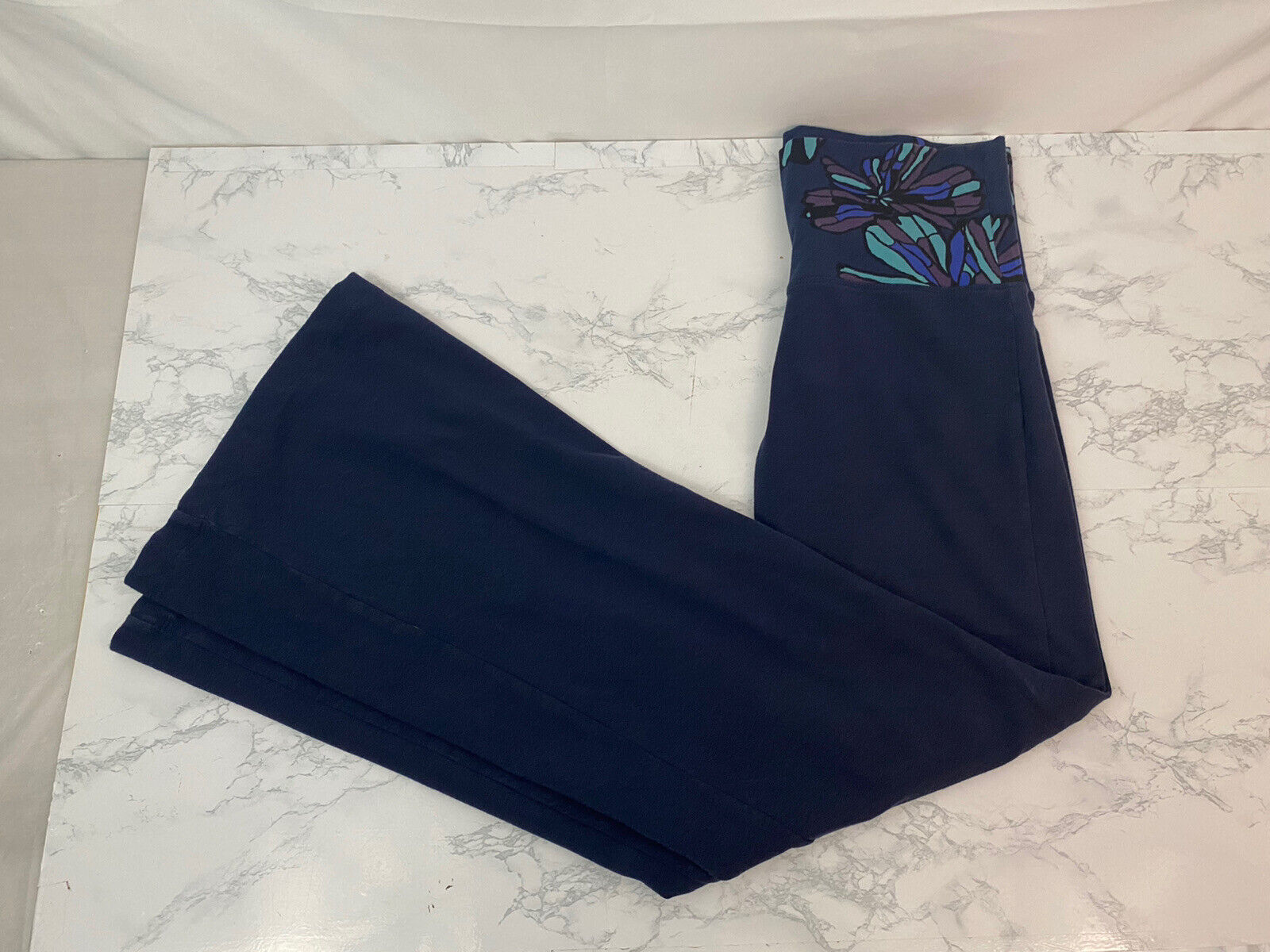 OLD NAVY ON Pull On Yoga Pants Womens S Blue Floral High Waist Flare Leg K1