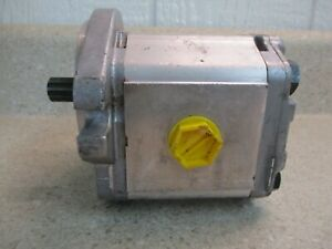 "BOSCH HYDRAULIC GEAR PUMP M/N:1112013200 PORT SIZE:1"" X 3/4"" #318105G NEW"