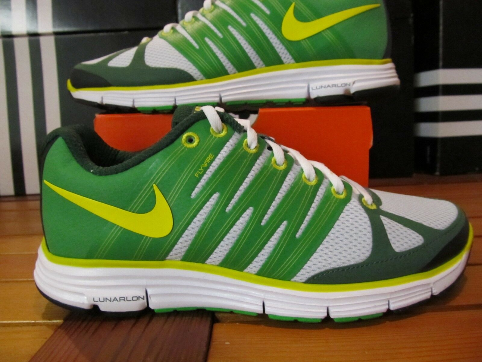 DS Wmns Nike Lunar Elite 2 Voltage Gorge Green 9.5 429783 008 Running shoes volt