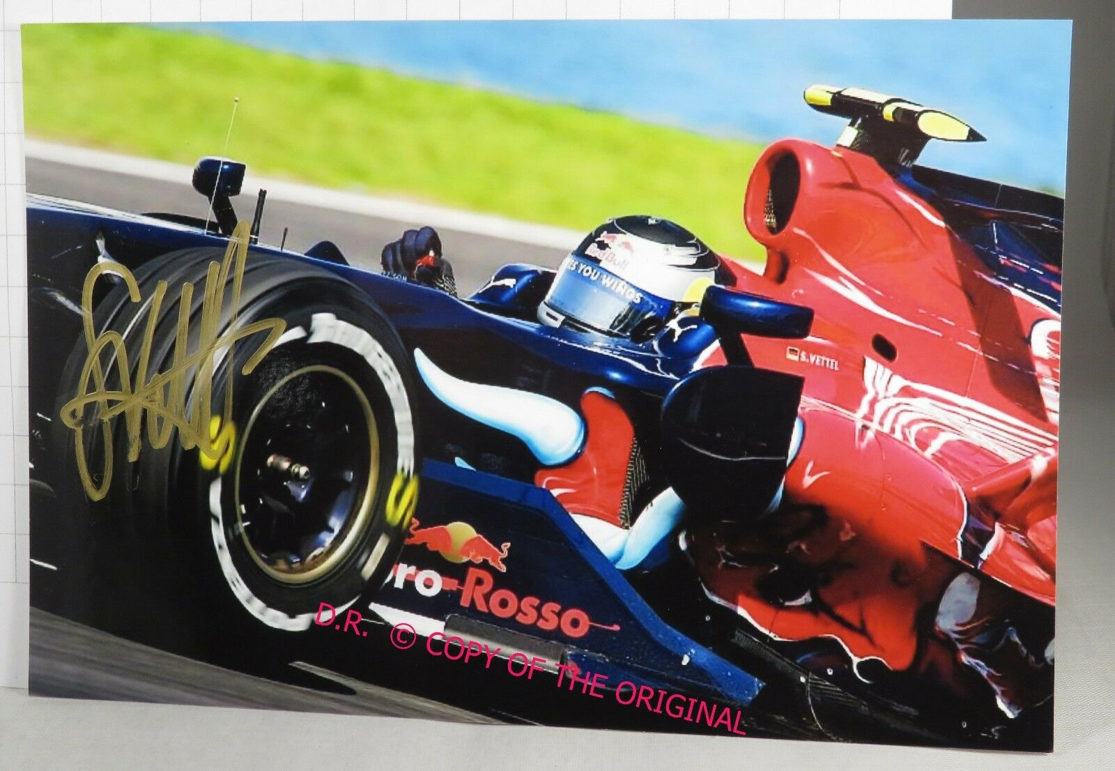 PHOTO cm13x18 signed by Sebastian Vettel Toro ROSSO STR3 F1 MALAYSIAN GP 2008