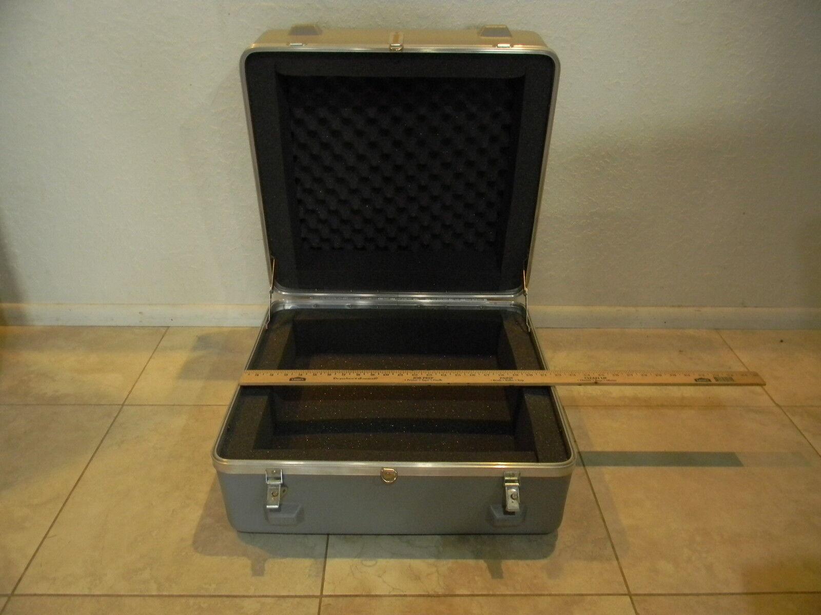 Road Tour Hard Case Camera Equipment Mixer 22  X 21  X 12  NEW Foam