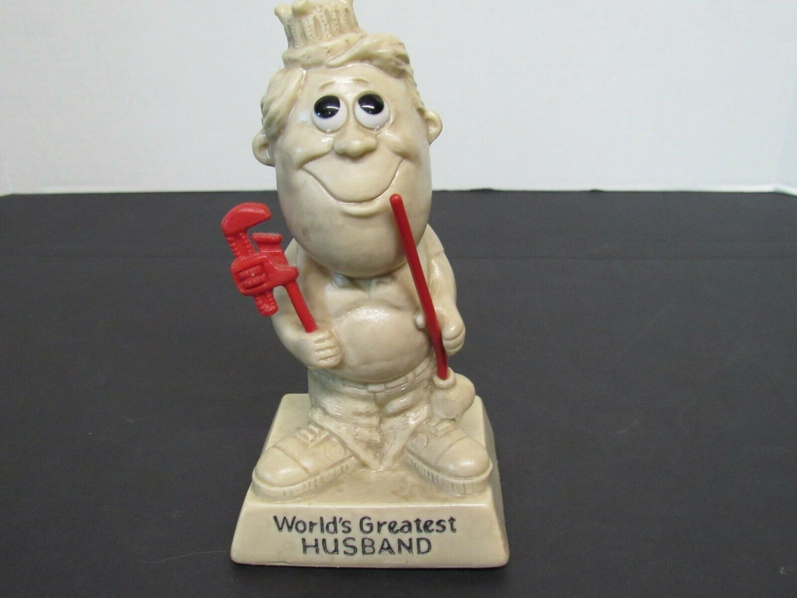 R /& W Berries World/'s Greatest Husband 1970 Sillisculpt figurine RW Berries plastic sculpture Anniversary Father/'s Day gift Husband gift