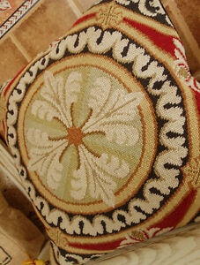 18-034-Vintage-Hand-Crafed-Wool-Needlepoint-Pillow-Cushion-Round-Medallion