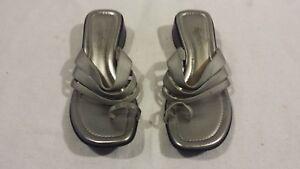 Womens-Fanfares-Silver-Gray-Black-Slip-On-Straps-Toe-Strap-7-Sandals