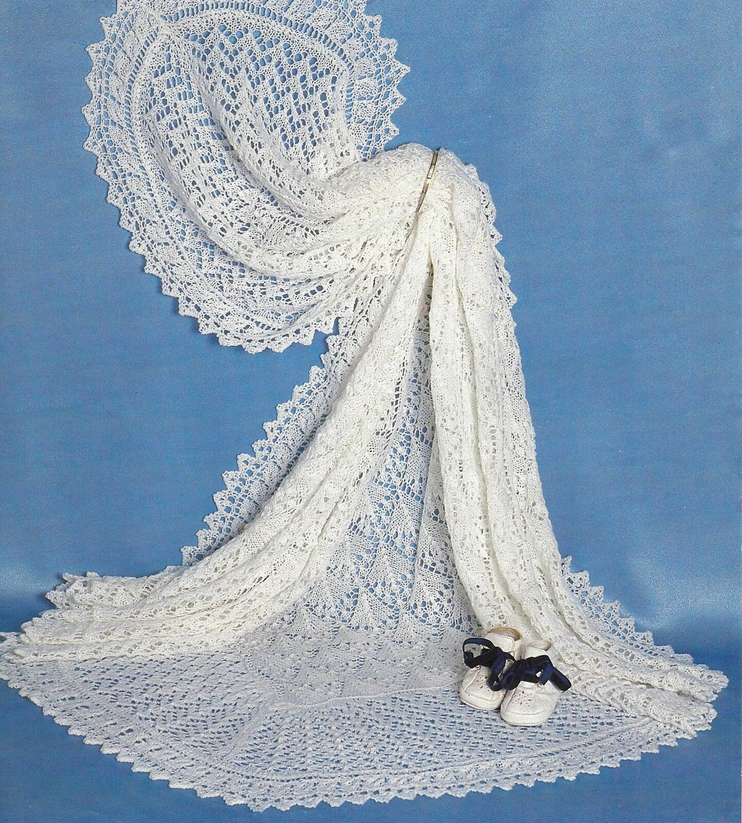 "Sirdar 3665 Vintage Baby Knitting Pattern Dress Bonnet 15-22/"" 0-24 months DK"