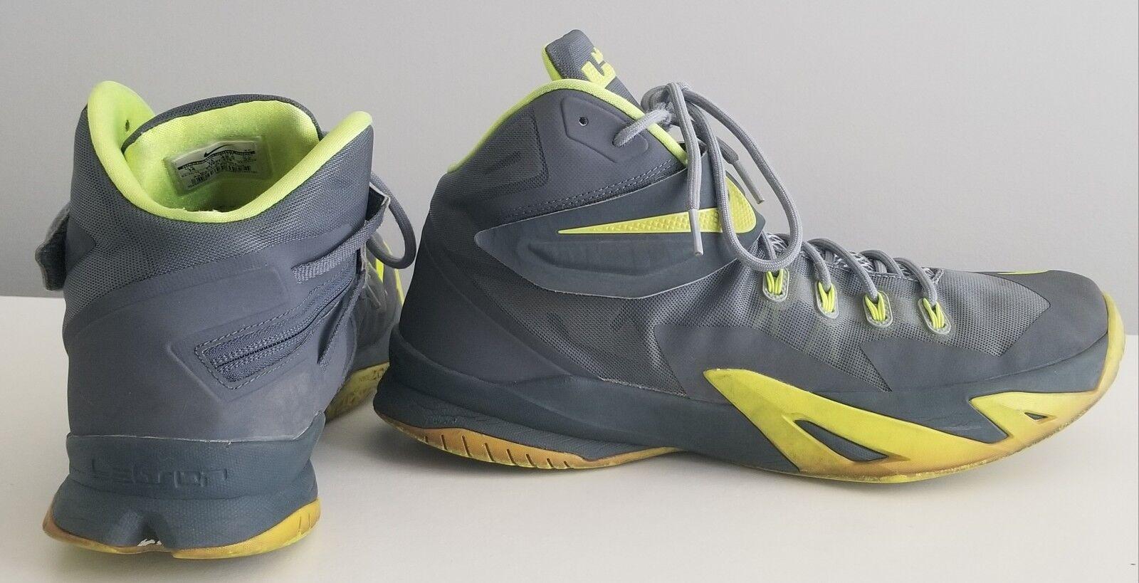 Nike Zoom LeBron Soldier VIII de Premium para hombres zapatillas de VIII baloncesto comoda a5d2e2