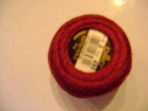 une-boule-de-coton-perle-DMC-grosseur-N-5-coloris-N-498-article-116