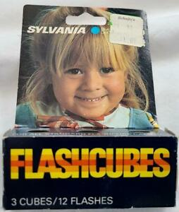 Vintage Sylvania GTE Blue Dot Flash Cubes 3 Pack 12 Flashes Original Package