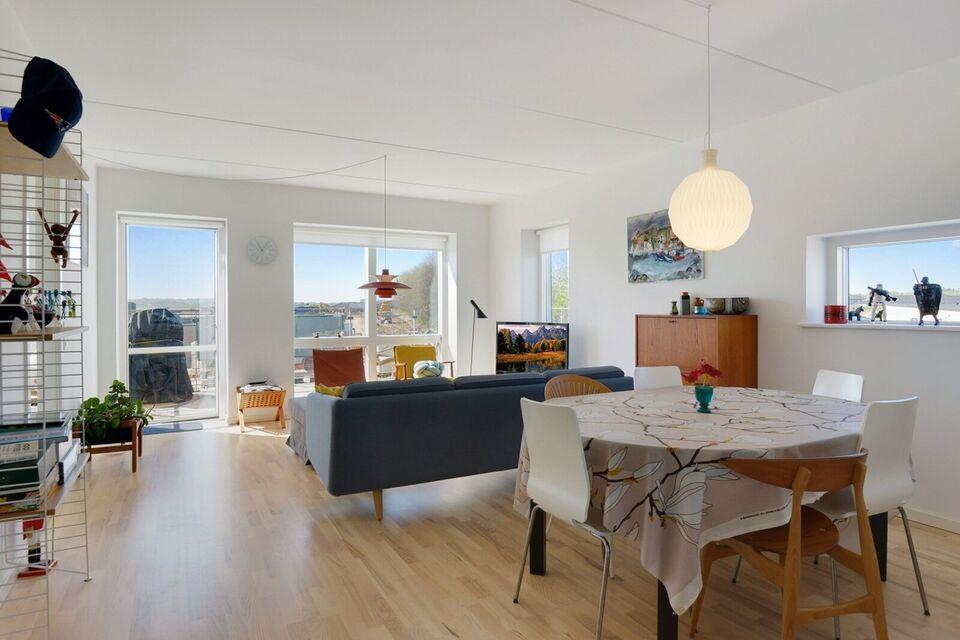 9260 vær. 3 lejlighed, m2 92, Tinbergens Alle