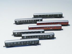 Marklin-Z-scale-Large-set-of-7-Express-Train-DB-skirted-passenger-cars