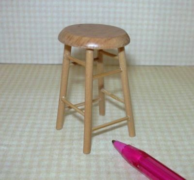 Handcrafted Dollhouse Miniature Stool 1//12 Wooden